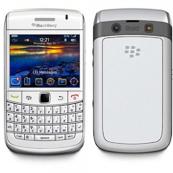 Смартфон BlackBerry 9780 Bold Белый
